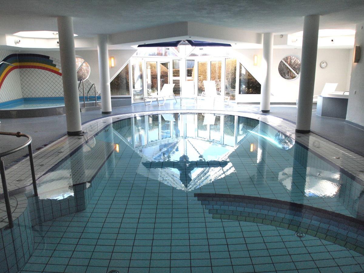 Wellnessbad mit Whirlpool und Sauna